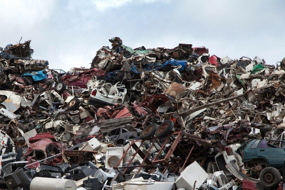 scrapyard-70908_1280-960x640.jpg